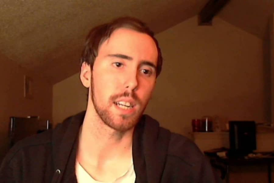 Asmongold Wants Twitch to Take Action on Gambling Streams